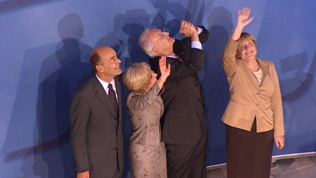 Merkel, Stoiber mit Frau und Meyer feiern den vermeintlichen Wahlsieg