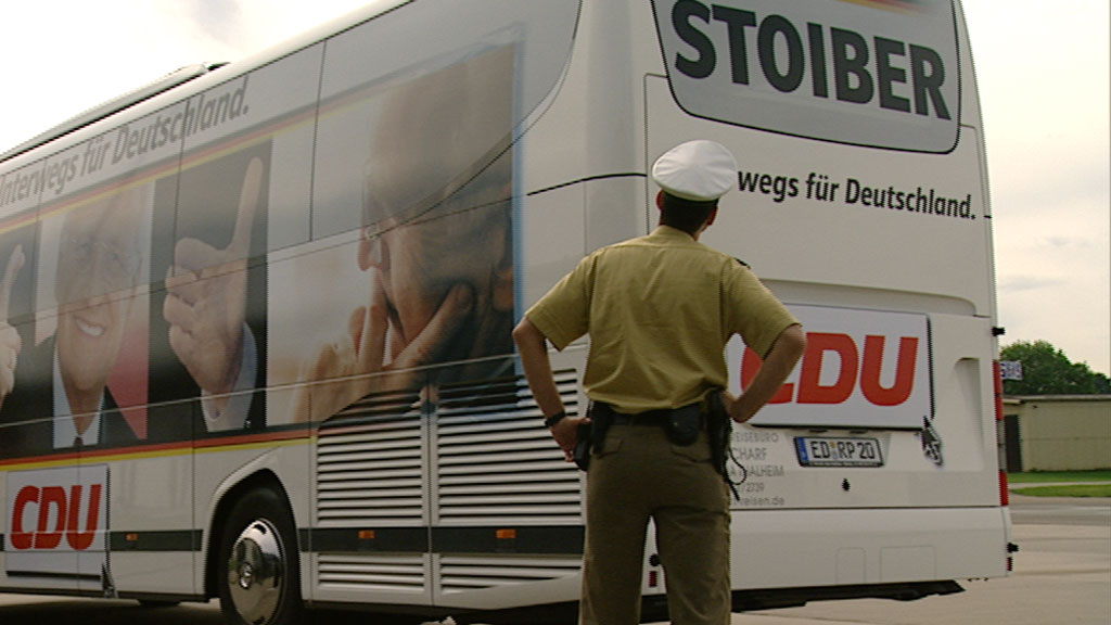 der Wahlkampfbus von Edmund Stoiber